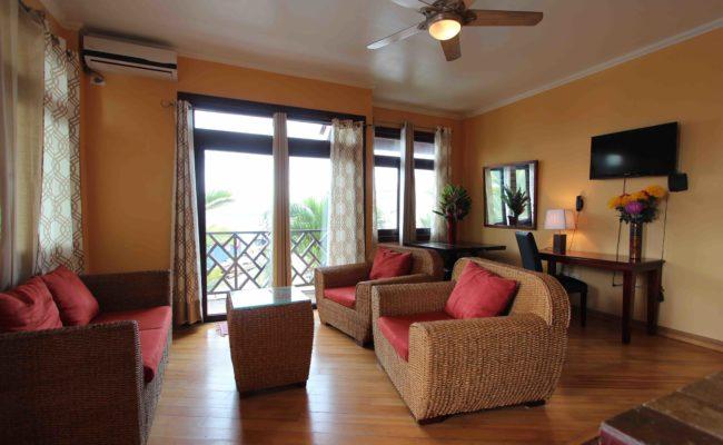 Luxury Suite1